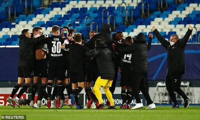 Đánh bại Moenchengladbach, Real Madrid giành ngôi đầu bảng - 5