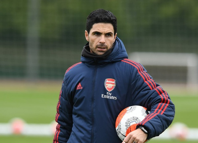 Rợn người với cú đạp bóng của ngôi sao trẻ khoác áo Arsenal - 2