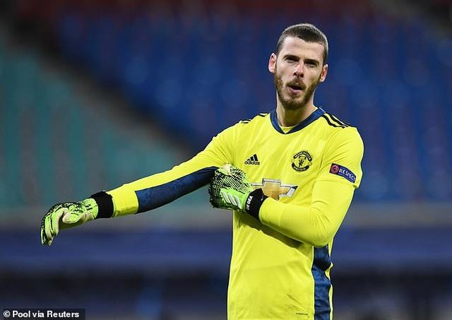 Muốn đua vô địch Premier League, Man Utd cần loại Pogba, thay thế De Gea - 3