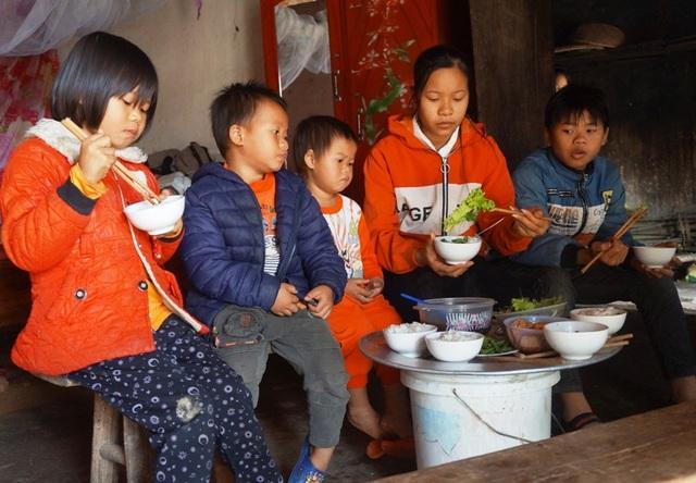 Hơn 120 triệu đồng đến với 5 đứa trẻ sống lay lắt sau khi cha mẹ bị tai nạn - 2