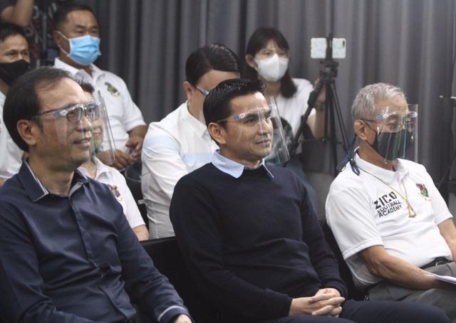 HLV Kiatisuk mở học viện bóng đá, sẵn sàng rời Thái Lan để sang HA Gia Lai - 9