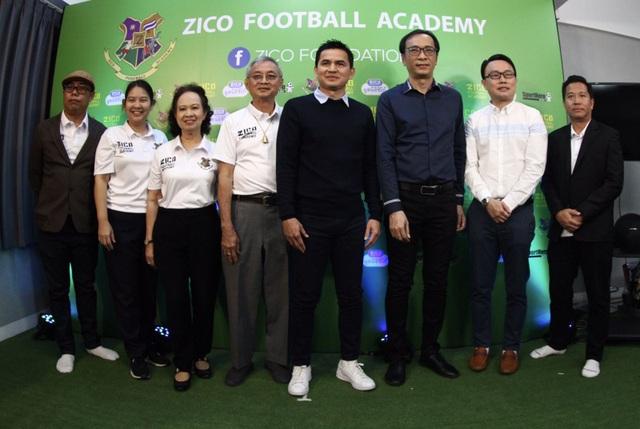 HLV Kiatisuk mở học viện bóng đá, sẵn sàng rời Thái Lan để sang HA Gia Lai - 8