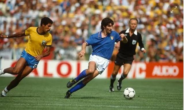 Dấu ấn rực rỡ trong sự nghiệp của huyền thoại bóng đá Paolo Rossi - 2