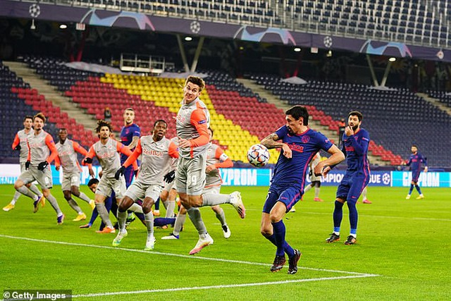 Theo chân Bayern Munich, Atletico giành vé đi tiếp ở Champions League - 2