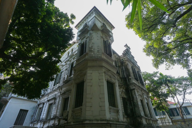 Chiêm ngưỡng dinh thự Pháp cổ từng là nơi ở của vua Bảo Đại tại Hà Nội - 2