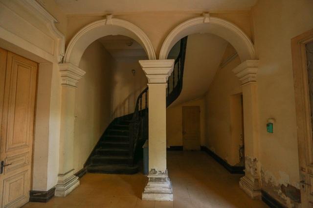 Chiêm ngưỡng dinh thự Pháp cổ từng là nơi ở của vua Bảo Đại tại Hà Nội - 10