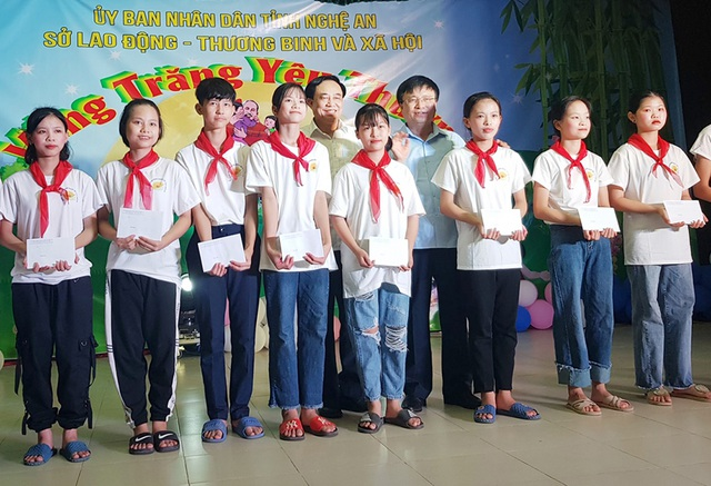 Nghệ An: Huy động 14 tỉ đồng hỗ trợ 7.500 lượt trẻ em có hoàn cảnh đặc biệt - 1