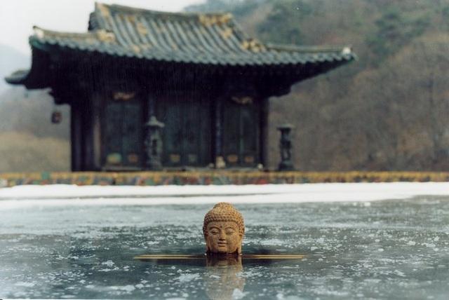 Xuân, hạ, thu, đông... rồi lại xuân: Tuyệt phẩm điện ảnh của Kim Ki-duk - 5