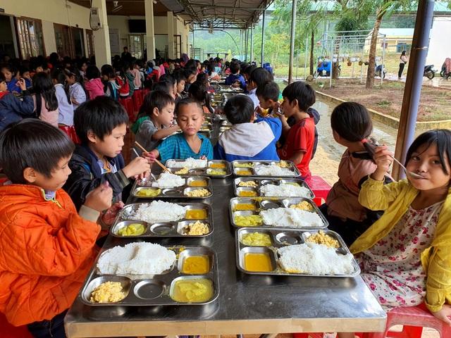 15 nghìn đồng/3 bữa ăn/ngày cho học sinh miền núi: Thầy cô đau đầu - 3