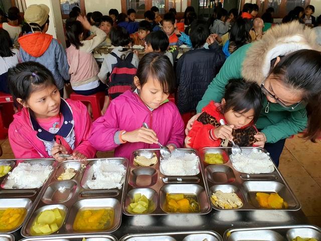 15 nghìn đồng/3 bữa ăn/ngày cho học sinh miền núi: Thầy cô đau đầu - 4