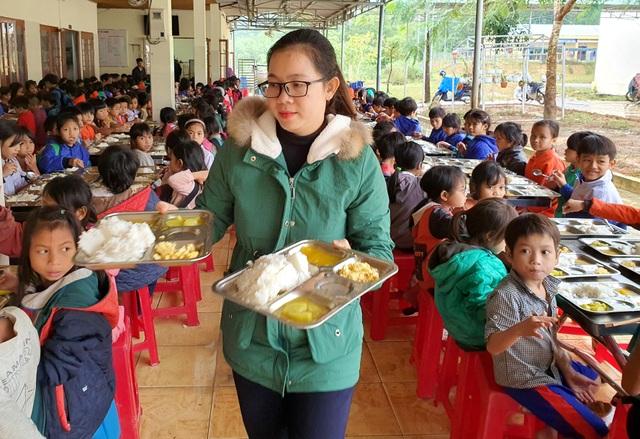 15 nghìn đồng/3 bữa ăn/ngày cho học sinh miền núi: Thầy cô đau đầu - 5