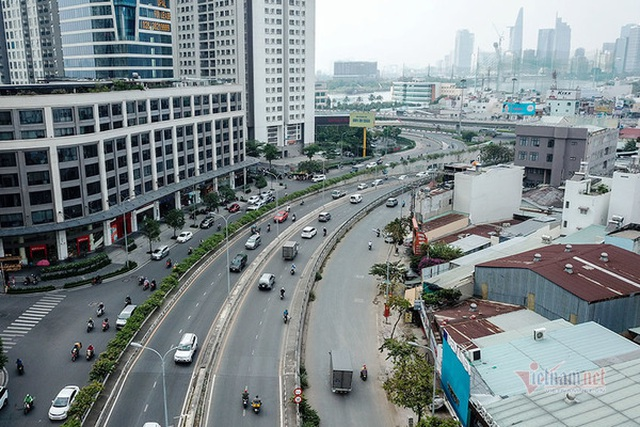 Cận cảnh loạt chung cư cao cấp bóp nghẹt hơn 3 km đường ở TPHCM - 2