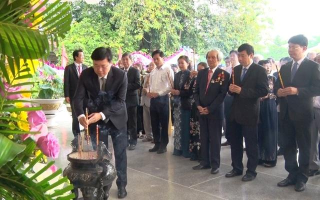 Long trọng lễ giỗ lần thứ 91 cụ Phó bảng Nguyễn Sinh Sắc - 1
