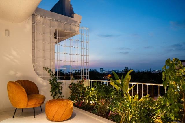 Nhà màu trắng đẹp như ở trời Âu, nổi bật nhất phố Sài Gòn - 13