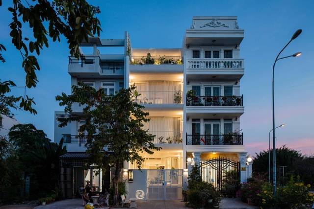 Nhà màu trắng đẹp như ở trời Âu, nổi bật nhất phố Sài Gòn - 14