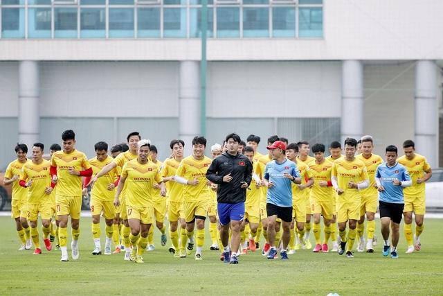 Quang Hải chưa thể tập lại, HLV Park Hang Seo lo lắng - 3
