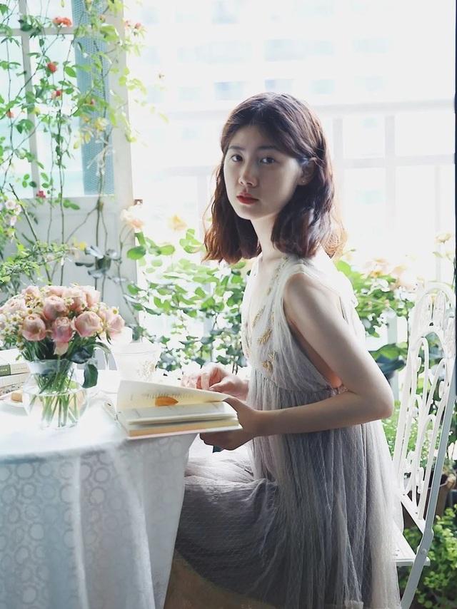 Cô gái xinh đẹp lột xác cho ban công 7m2 thành vườn nhỏ rực rỡ sắc màu - 1