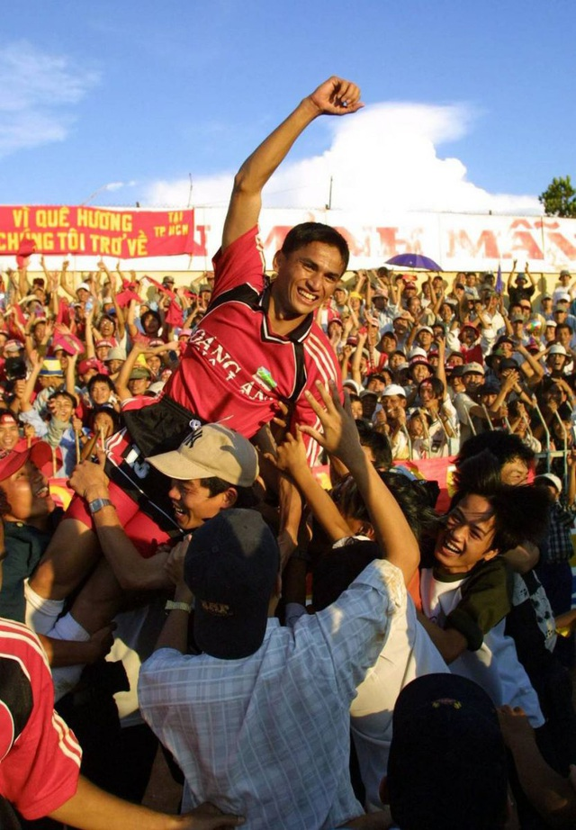 Báo Thái Lan liệt kê thành công của Kiatisuk cùng HA Gia Lai - 16