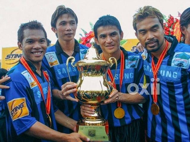 Báo Thái Lan liệt kê thành công của Kiatisuk cùng HA Gia Lai - 13