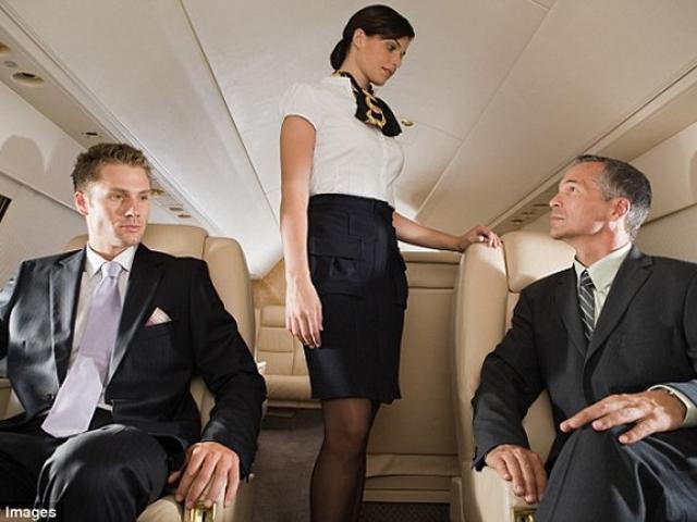Sốc với tiết lộ của tiếp viên hàng không cho giới siêu giàu - 1