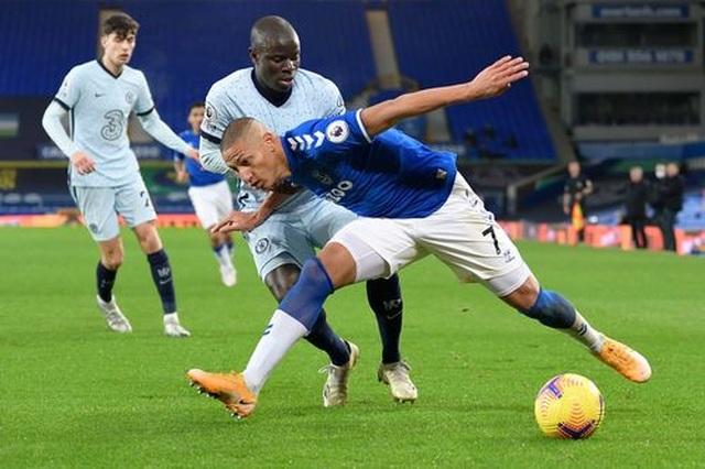 Everton hạ gục Chelsea nhờ quả phạt đền - 3