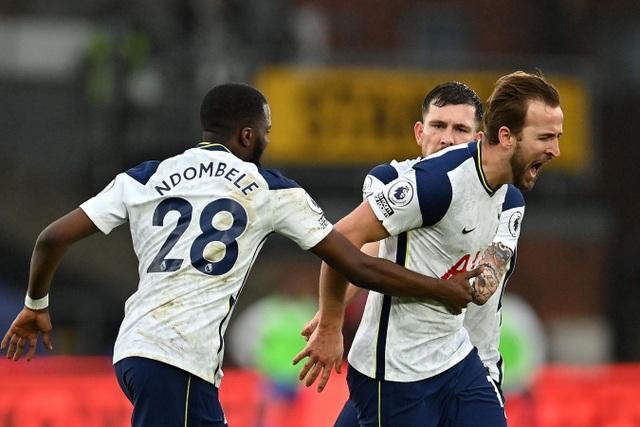 Tottenham đánh rơi điểm trên sân Crystal Palace - 2