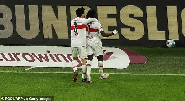 Bayern Munich hòa thất vọng, Dortmund thua đậm khi vắng Haaland - 7