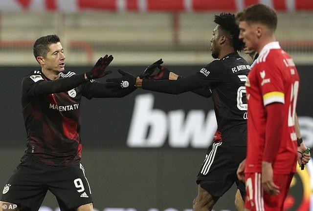 Bayern Munich hòa thất vọng, Dortmund thua đậm khi vắng Haaland - 2