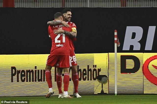 Bayern Munich hòa thất vọng, Dortmund thua đậm khi vắng Haaland - 1