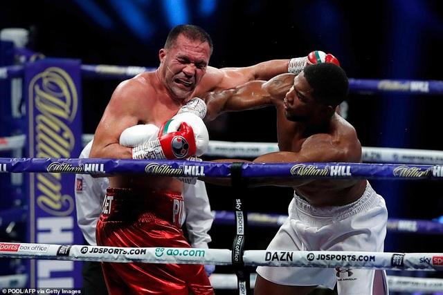 Anthony Joshua thắng knock-out, bảo vệ 4 đai vô địch hạng nặng - 3