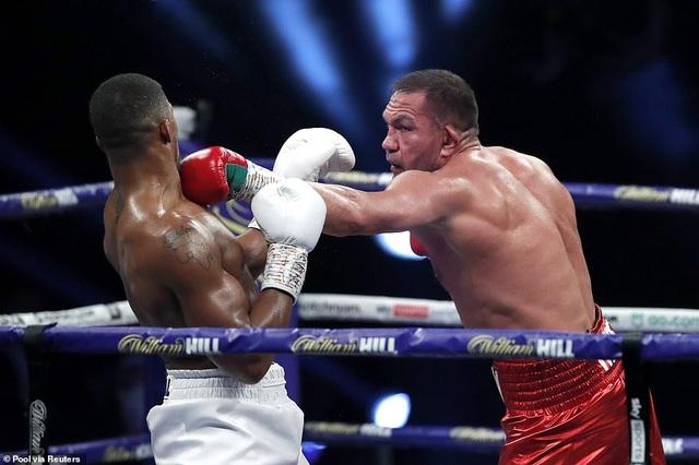 Anthony Joshua thắng knock-out, bảo vệ 4 đai vô địch hạng nặng - 4