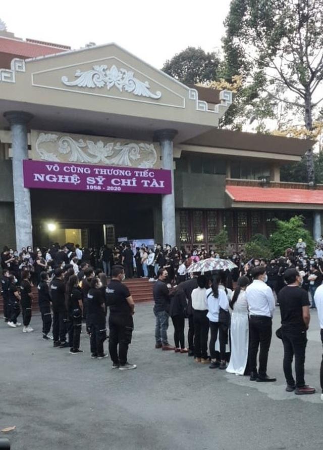 Việt Hương, Hoài Tâm công bố thông tin tang lễ danh hài Chí Tài tại Mỹ - 1