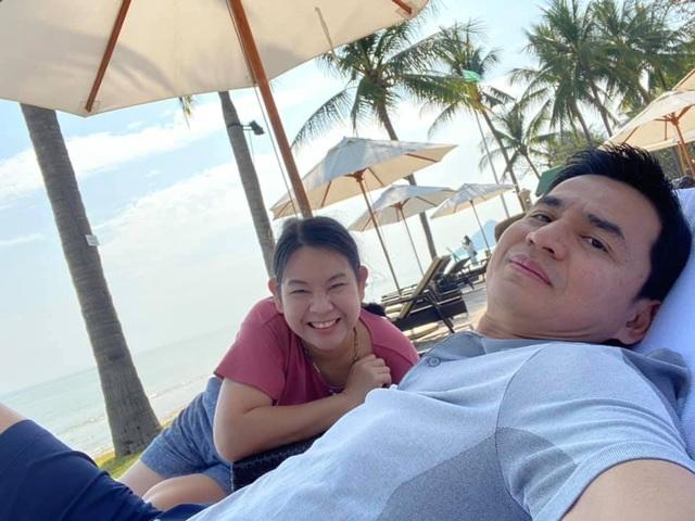 HLV Kiatisuk đưa vợ con đi nghỉ mát trước khi sang Việt Nam - 6
