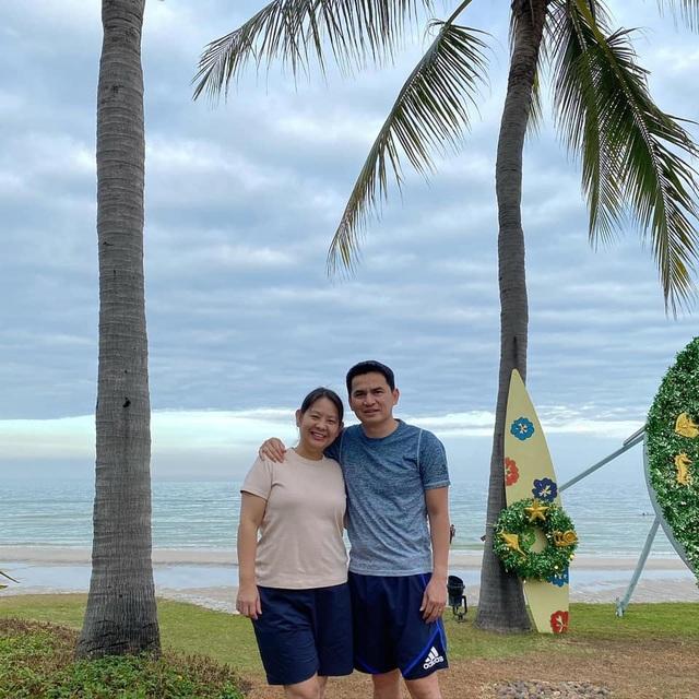 HLV Kiatisuk đưa vợ con đi nghỉ mát trước khi sang Việt Nam - 3
