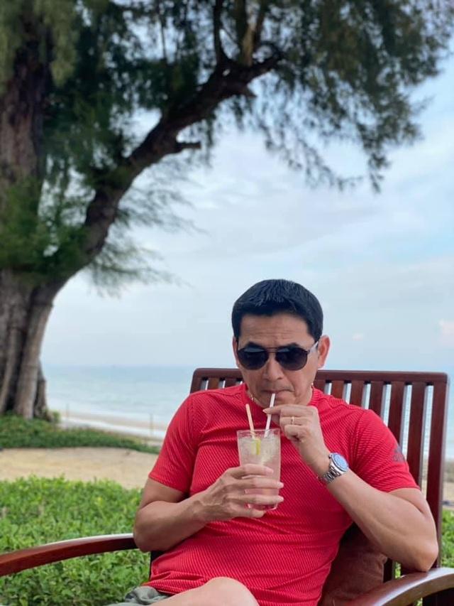 HLV Kiatisuk đưa vợ con đi nghỉ mát trước khi sang Việt Nam - 7