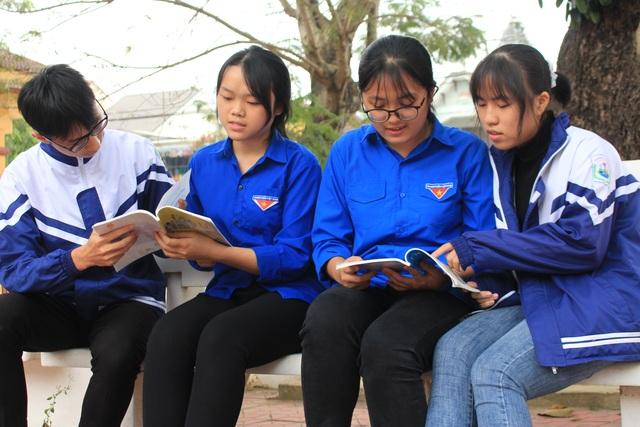 Nữ sinh miền núi đạt học sinh 3 tốt toàn quốc: Tự học hỏi trên internet  - 4