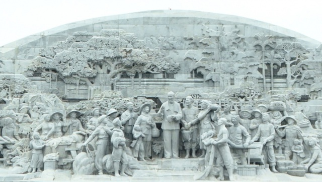 Thủ tướng khánh thành tượng đài Bác Hồ với nông dân Việt Nam - 3
