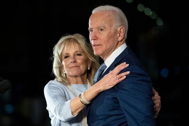 Giáo sư hứng bão chỉ trích vì chê danh xưng tiến sĩ của vợ ông Biden - 1