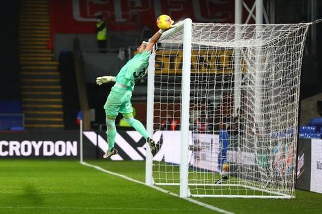 Tottenham đánh rơi điểm trên sân Crystal Palace - 3