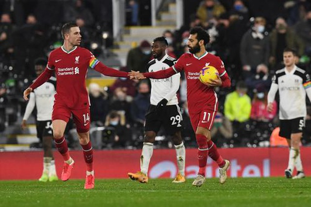 Vất vả hòa Fulham, Liverpool lỡ cơ hội giành ngôi đầu bảng - 1