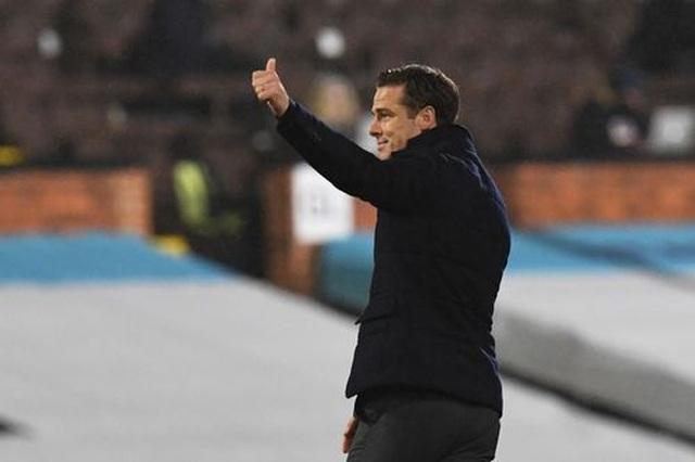 Vất vả hòa Fulham, Liverpool lỡ cơ hội giành ngôi đầu bảng - 2
