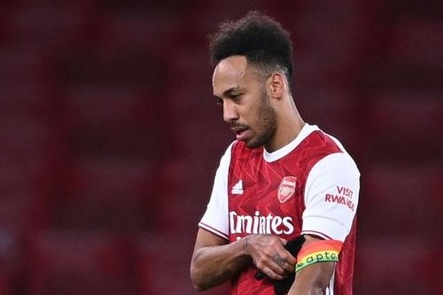 Xhaka bị đuổi, Aubameyang đốt đền, Arsenal lún sâu vào khủng hoảng - 3