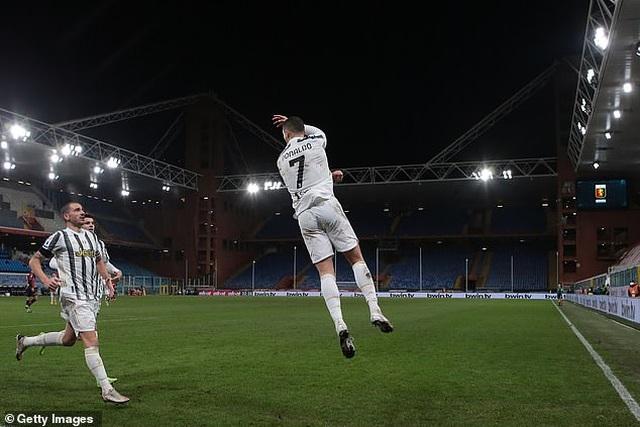 C.Ronaldo lập cú đúp trong ngày đặc biệt, giúp Juventus chiến thắng - 5