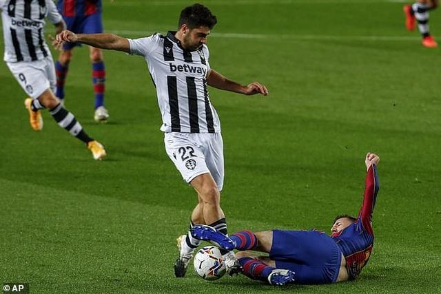 Messi ghi bàn, Barcelona tìm lại cảm giác chiến thắng - 1