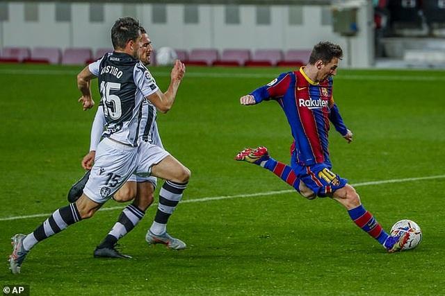 Messi ghi bàn, Barcelona tìm lại cảm giác chiến thắng - 7