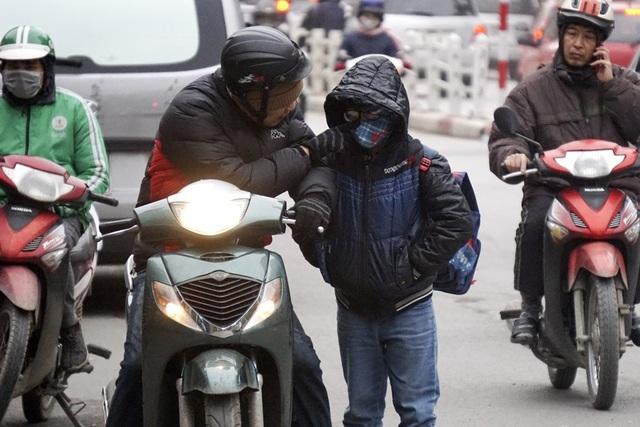 Trời lạnh 11-14 độ C: Sai lầm này của bố mẹ khiến trẻ càng dễ mắc bệnh - 3