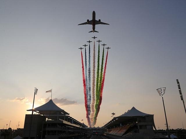 Mùa giải F1 2020 khép lại bằng một chặng đua kém nhiệt - 19