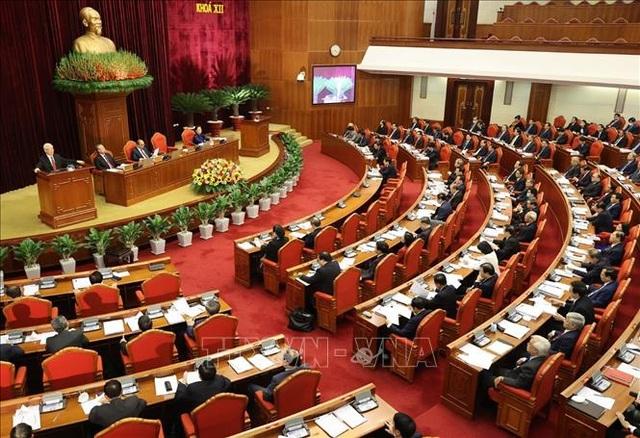 Giới thiệu nhân sự tham gia Bộ Chính trị, Ban Bí thư khóa mới - 1