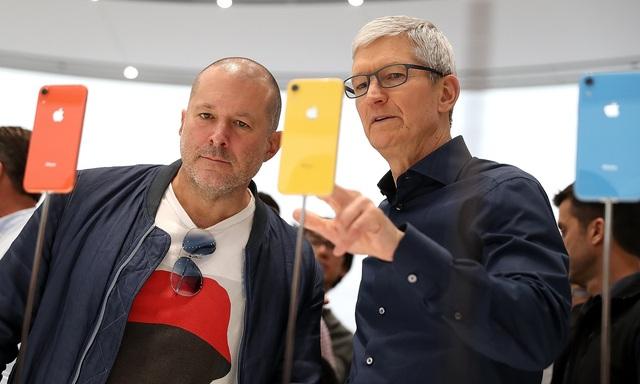 Jony Ive - cha đẻ thiết kế của iPhone có thể trở thành CEO Ferrari - 1