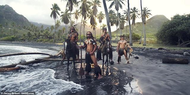 Hé lộ cuộc sống của bộ lạc biệt lập nhất với nền văn minh nhân loại - 4